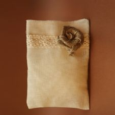Gauze cotton lace and burlap flower  favour / Μπομπονιέρα απο γάζα με βαμβακερή δεντέλα